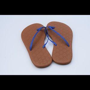 NWOT vineyard vines sandals